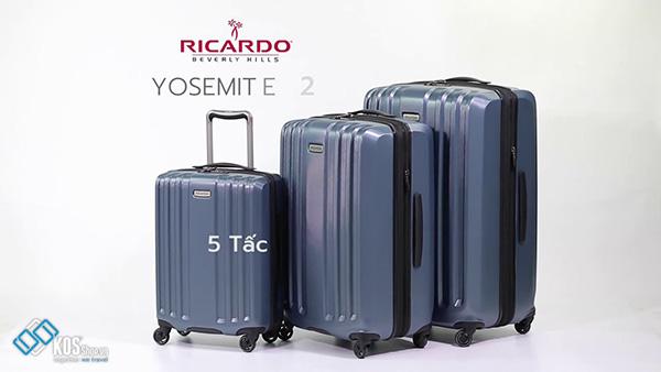 Đi máy bay mua vali nào? 5