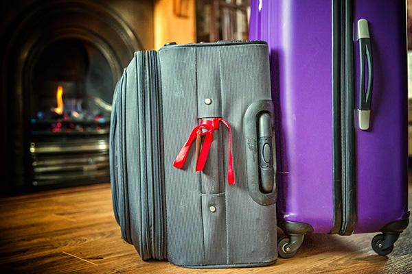 Cách đánh dấu vali khi đi máy bay 4