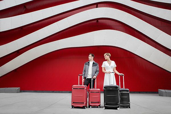 Nên mua vali 2 bánh hay 4 bánh hình 1