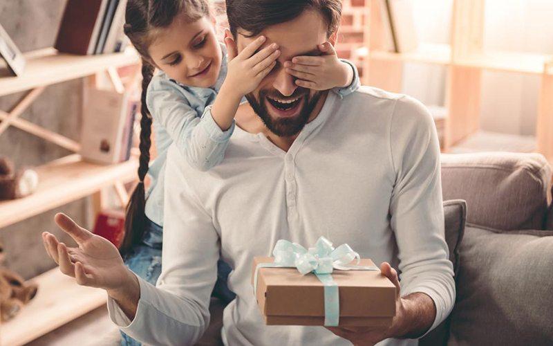 Ngày của cha nên tặng quà gì? 1