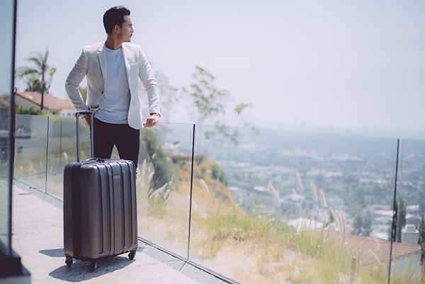 Đi máy bay mua vali nào? 7