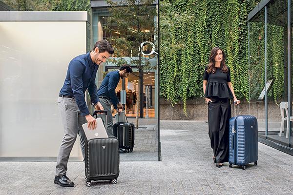 Mua vali nên chọn màu gì? 5