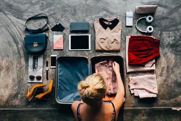 Cách xếp hành lý vào vali 14