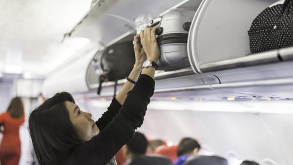 Đi máy bay mua vali nào? 2