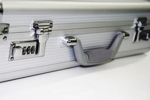 vali đựng tiền 7